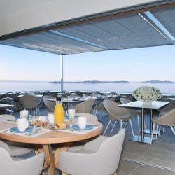 Terrasse du petit déjeuner buffet Hôtel la Villa Douce - Golfe de St Tropez