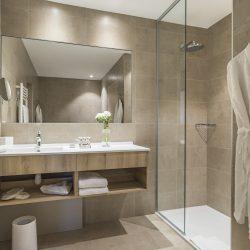 Salle de bain avec douche à l'italienne - Hôtel la Villa Douce - Golfe de St Tropez