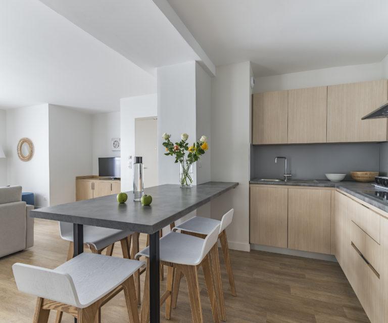 Cuisine suite appartement - Vue mer - Hôtel la Villa Douce- Hôtel 4 étoiles - Golfe de Saint Tropez - Rayol-Canadel-Sur-Mer