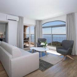 Salon - Suite appartement vue mer - Hôtel La Villa Douce - Hôtel 4 étoiles -Golfe de Saint Tropez - Rayol-Canadel-Sur-Mer