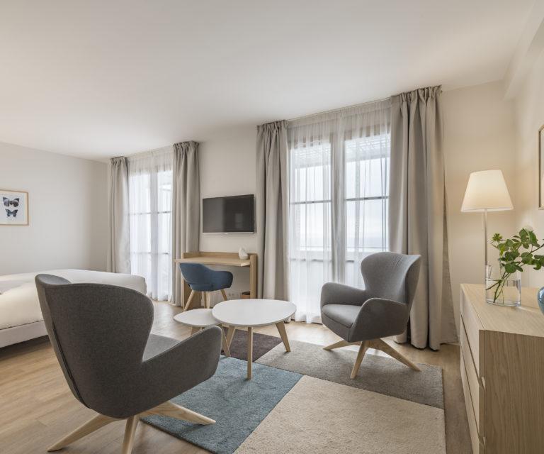 Espace salon - Suite Junior - Hôtel La Villa Douce - Hôtel 4 étoiles - Golfe de Saint Tropez