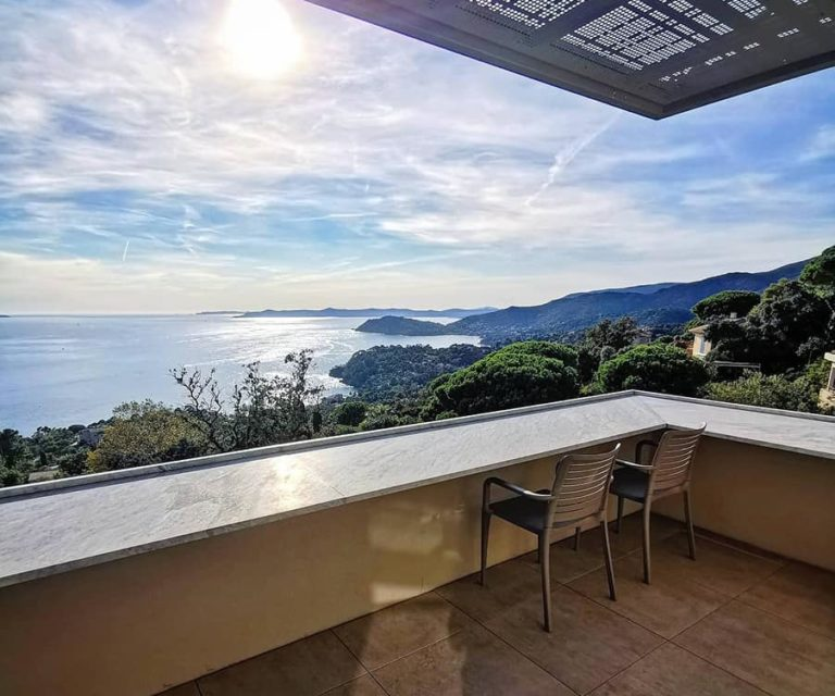 Hôtel 4 étoiles La villa Douce Saint Tropez Chambre superieure terrasse Vue mer